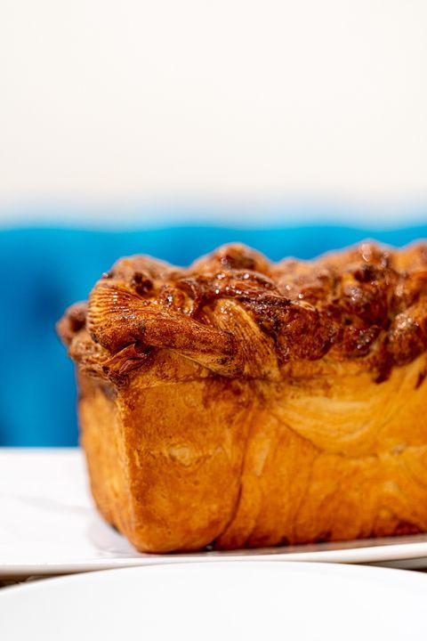 Pour les gourmands, nos brioches tressées sont disponibles en vente à emporter 😋Nous proposons aussi croissants, pain au...